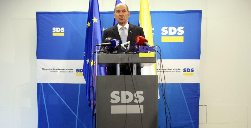 Janša: Vlada naj prizna nesposobnost in prosi za pomoč
