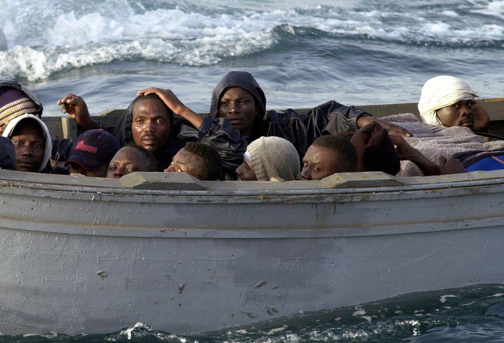 Predlog vlade: družinam za sprejem begunca 30 evrov na dan