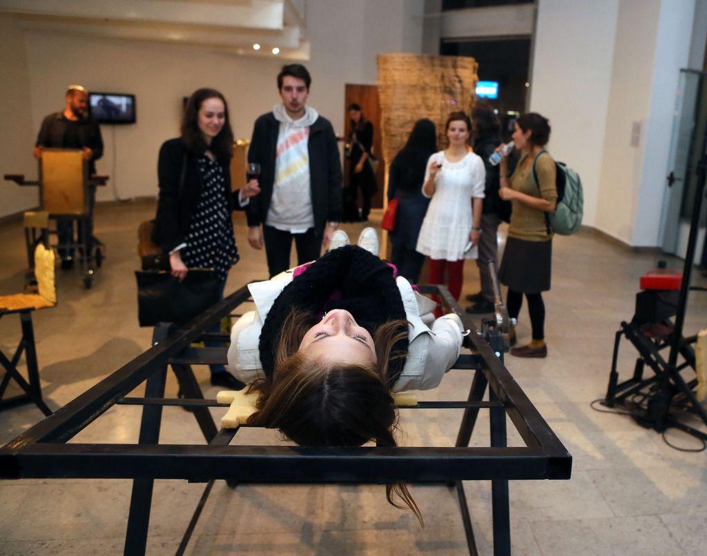 Kiparstvo danes: telesa, okolja in fascinacija s tehnologijo