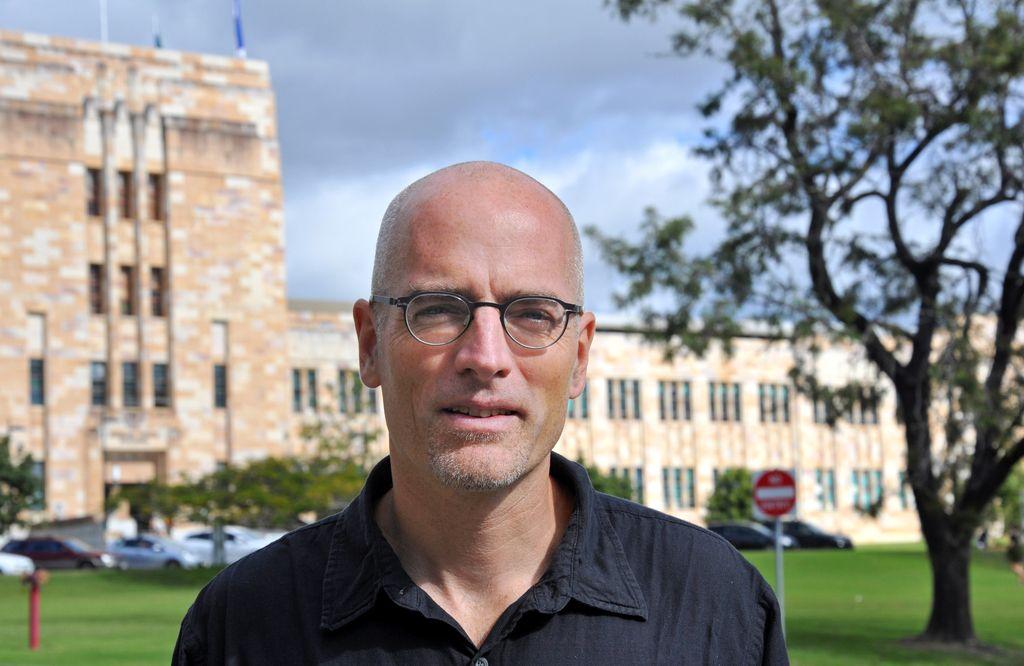 Mark Andrejevic: Življenje za digitalno bodečo žico