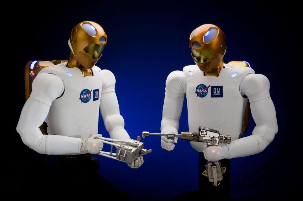 Bo umetna inteligenca prevladala do konca stoletja?