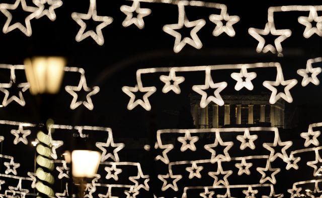 afp/TOPSHOTS-GREECE-CHRISTMAS-LIGHTS-PARTHENON