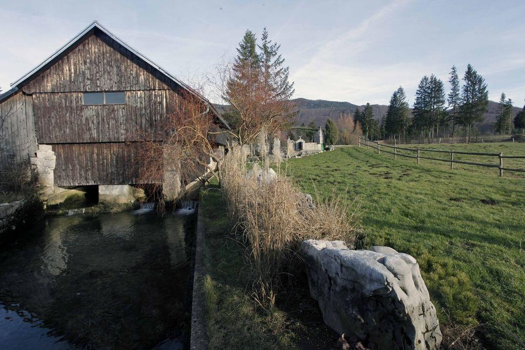 Bruselj uradno potrdil program razvoja podeželja