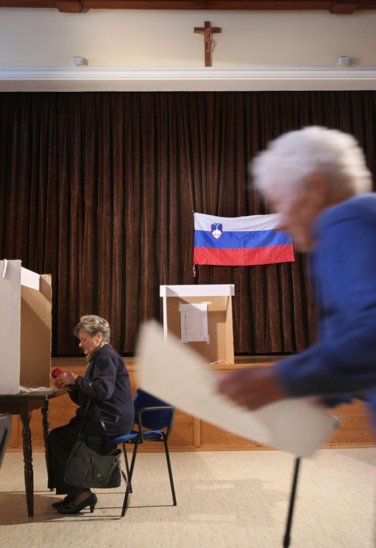 Za razcvet demokracije, ne aparatčikov