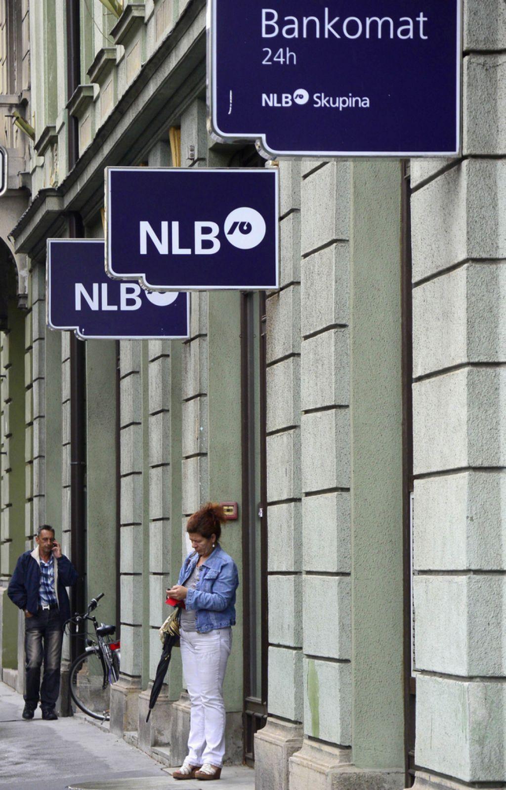 Banke espejem odpirajo le poslovne račune