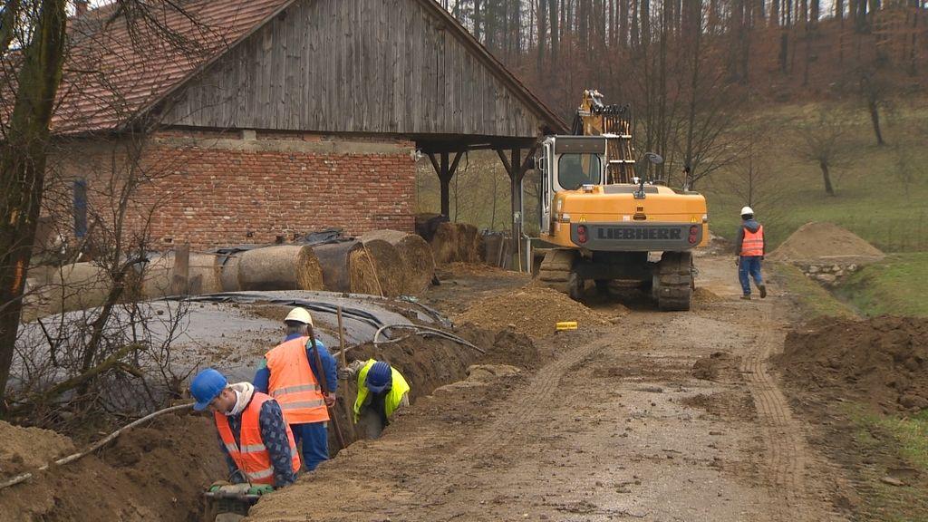Županja Karba odstopila kot vodja gradnje vodovoda