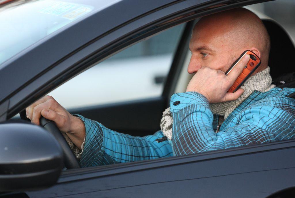 Vozniki zlasti moški, med potniki pa ženske
