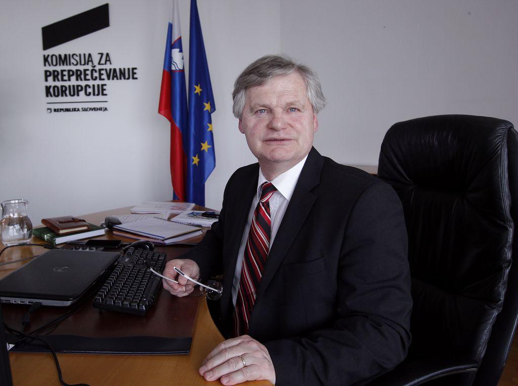 Poročilo izbirne komisije o kandidatih za namestnika predsednika KPK pri Pahorju