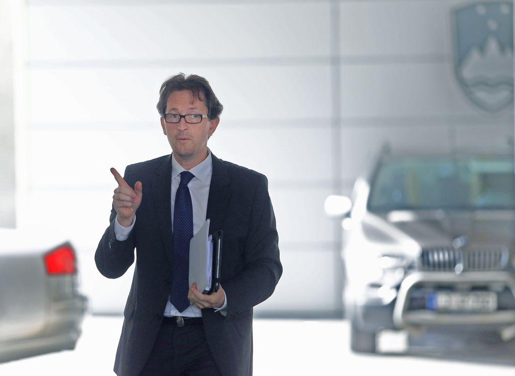 Gregor Virant odstopil kot predsednik DL
