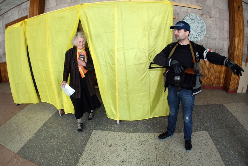 Številni dvomi o izpeljavi referenduma