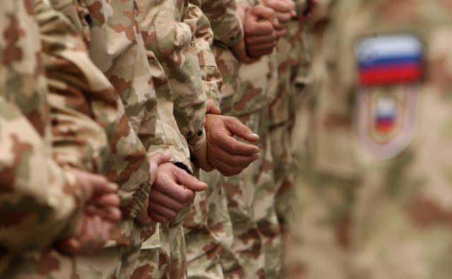 27.9.2010 Novo Mesto, Slovenija. Slovesnost ob odhodu pripadnikov 14. kontingenta ISAF v mednarodno operacijo v Afganistan.FOTO:JURE ERZEN/Delo