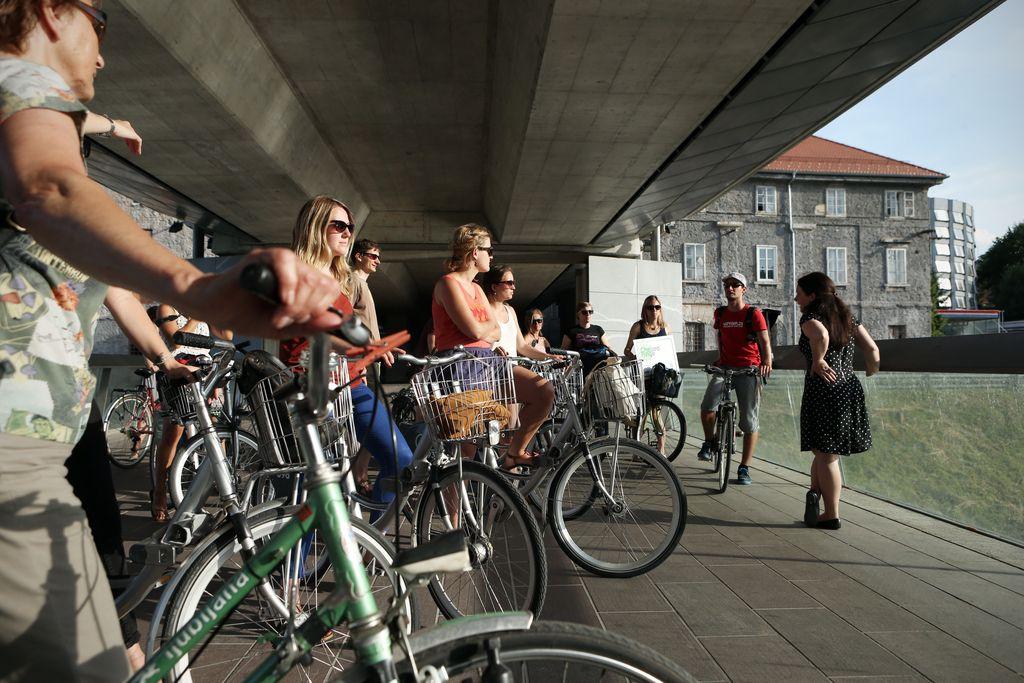 Kulivrtarjenje - s kolesom po zelen(javn)i Ljubljani