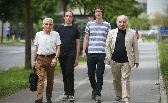 Tone Peršak, Davorin Lenko, Jasmin B.Frelih in Evald Flisar (tudi Jurij Hudolin, ki ni na fotografiji), so letošnji finalisti za Delovo nagrado Kresnik. Ljubljana 23.maja 2014.
