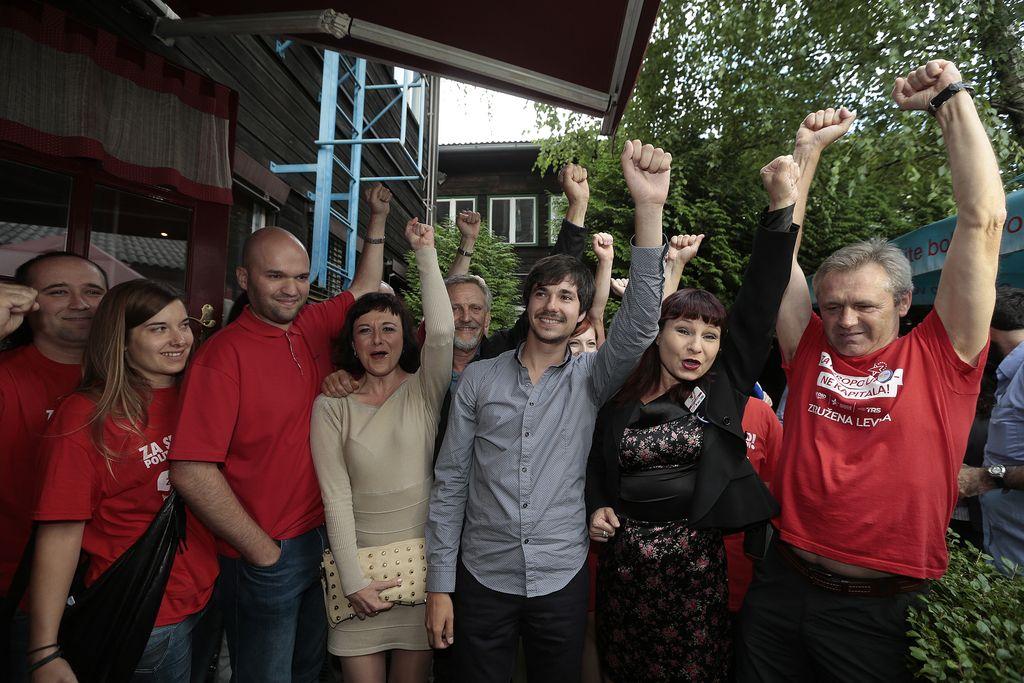 Volitve 2014: Suverena zmaga SMC, v DZ sedem strank (v živo)