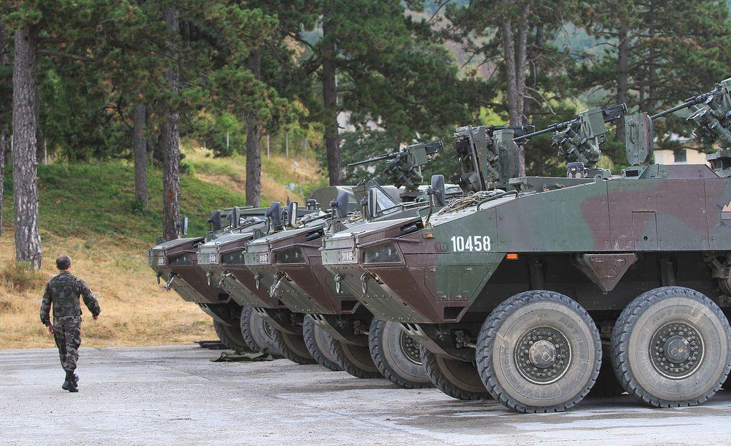 Sindikat vojakov zbira podpise za svoj zakon o obrambi