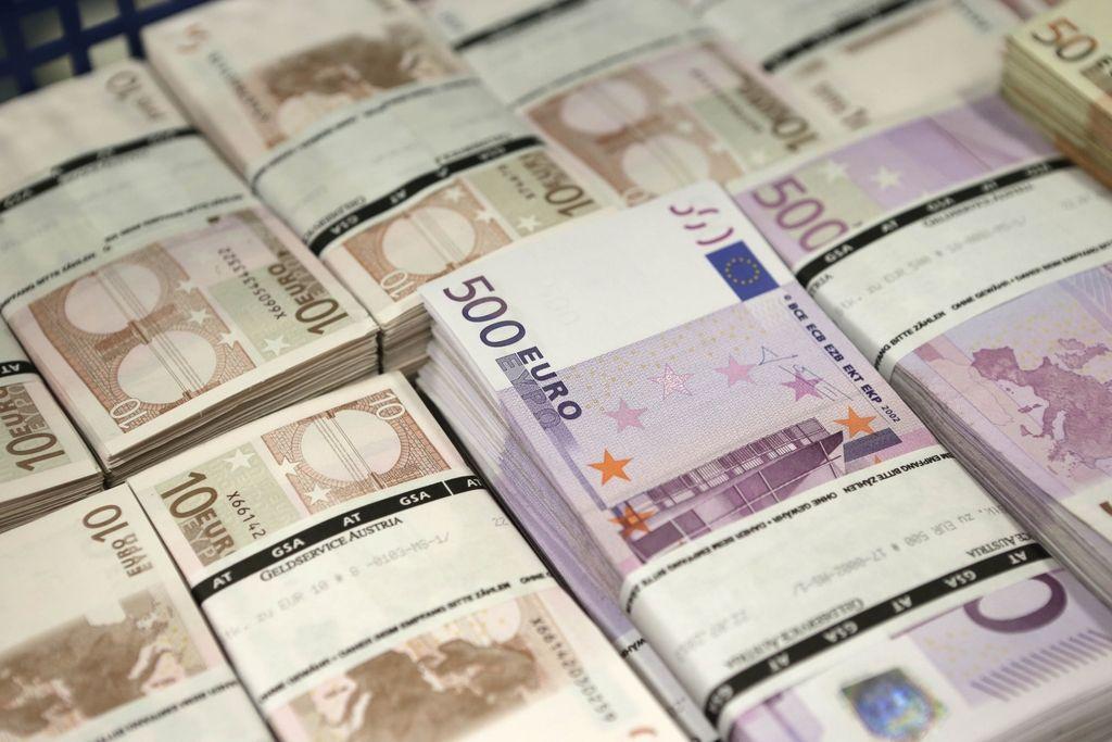 Slovenija lani z enim največjih primanjkljajev