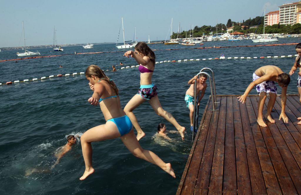 Polet O2: Razmišljanje o uvedbi celoletnih počitnic