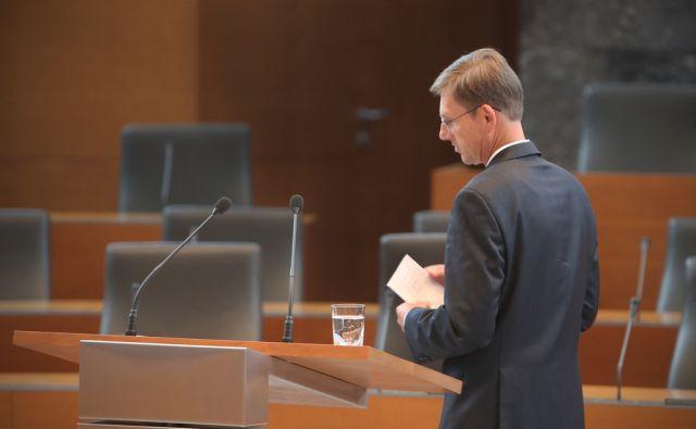 Novi predsednik vlade Miro Cerar po prisegi v Ljubljani 25.avgusta 2014.