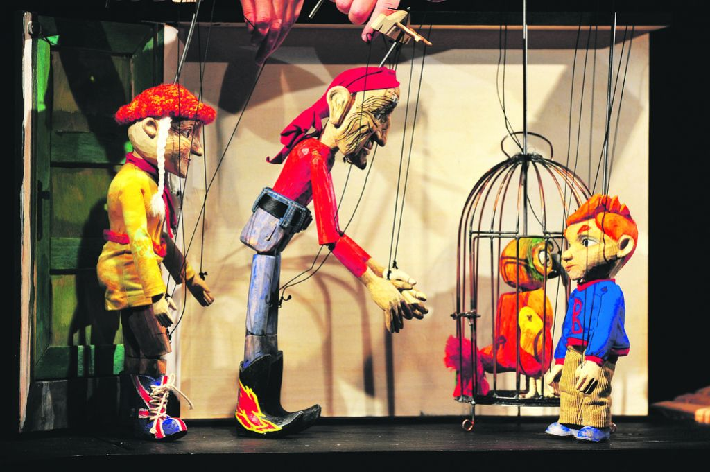 Kraljica lutkovnega gledališča je še vedno marioneta