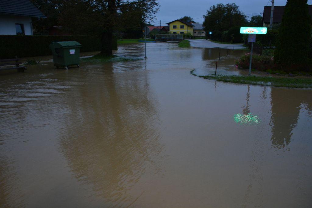 Poplave: najhuje v Posavju, pri Vranskem prva žrtev
