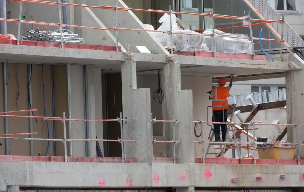Največ kršitev je v gradbeništvu in povezanih dejavnostih