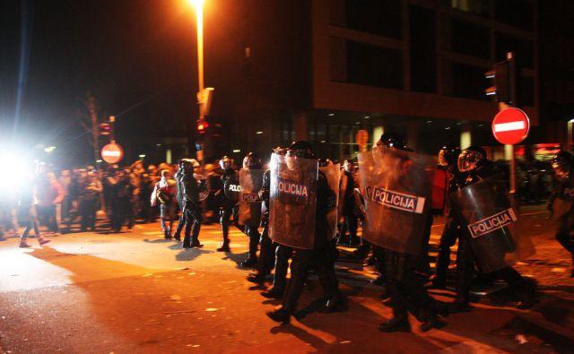 Slovenija, Maribor, 3.12.2012 - Gotof je pred obcino  foto:Tadej Regent/Delo