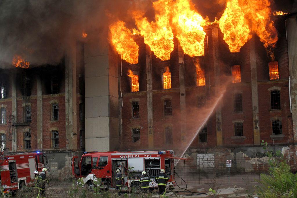 Rakušev mlin v plamenih