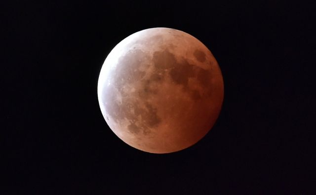 JAPAN-LUNAR-ECLIPSE