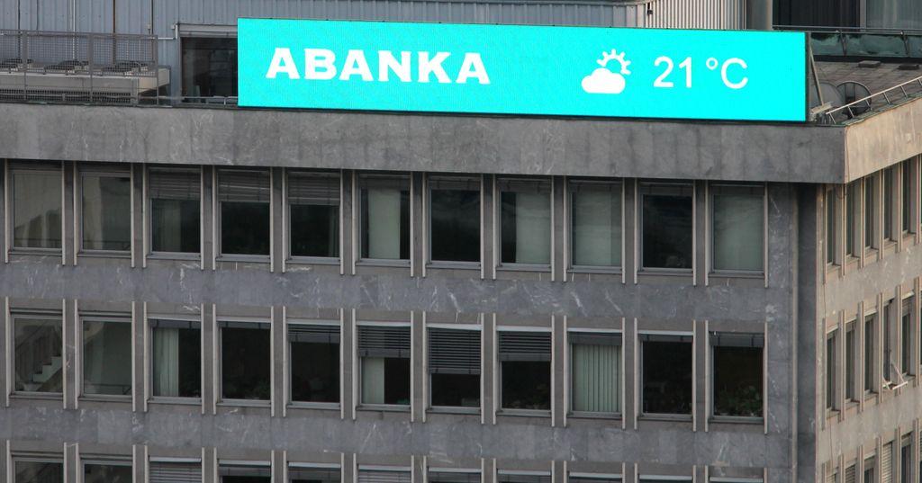 Fitch zvišal bonitetne ocene bankam