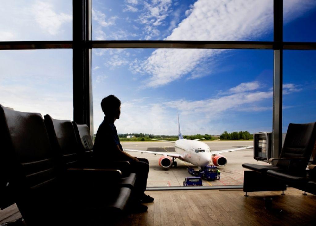 Pregled pravic letalskih potnikov za brezskrben dopust