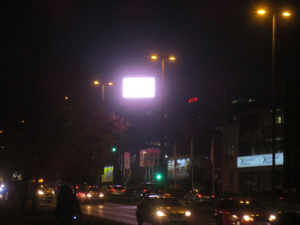 Arhitekti odločno proti reklamnemu zaslonu na GR