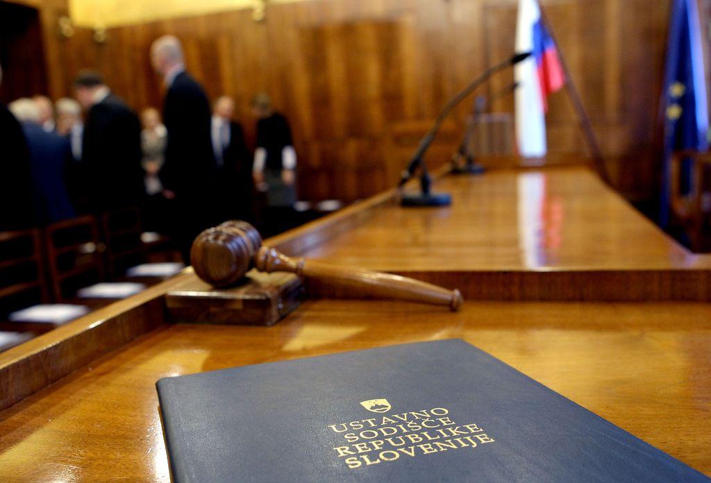 Pahor v DZ poslal imena za ustavne sodnike