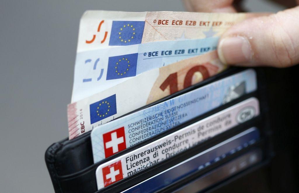 Finančna tveganja od »švicarjev« do kriptobalona