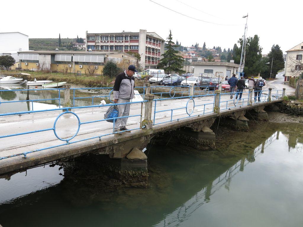 Most v soline spet zaprt za vse