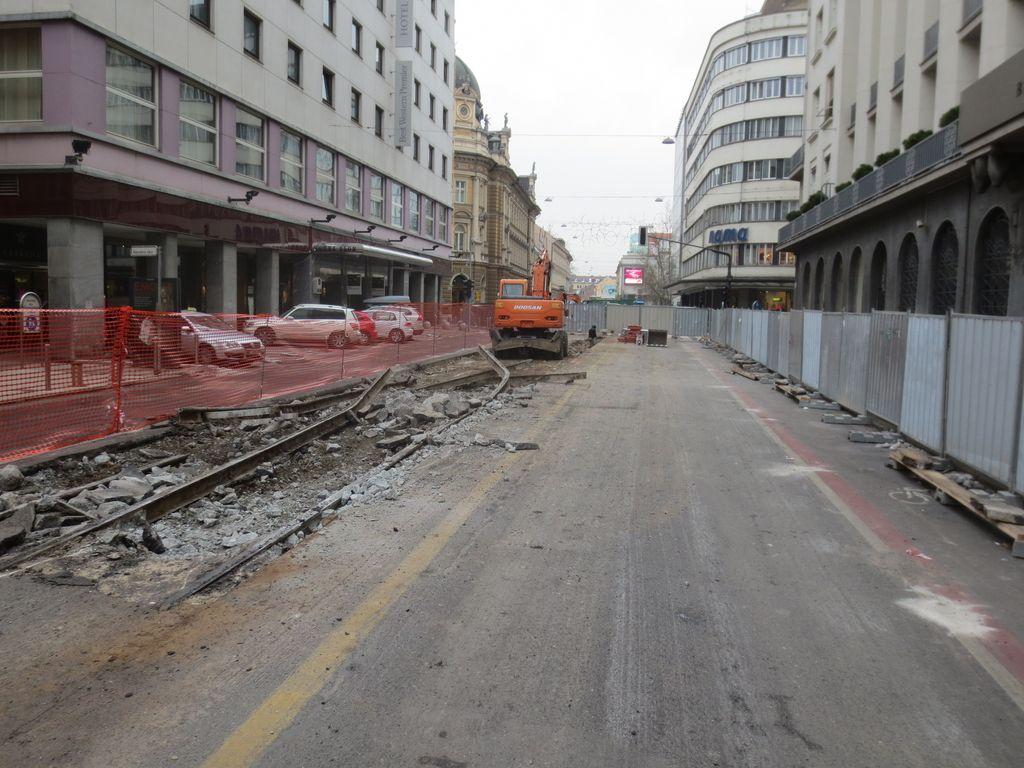 Poceniti javni promet in zmanjšati stroške prevozov
