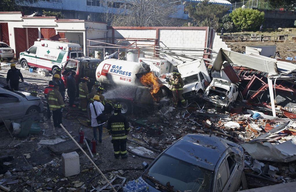 V eksploziji ob mehiški pediatrični bolnišnici mrtvi in ranjeni
