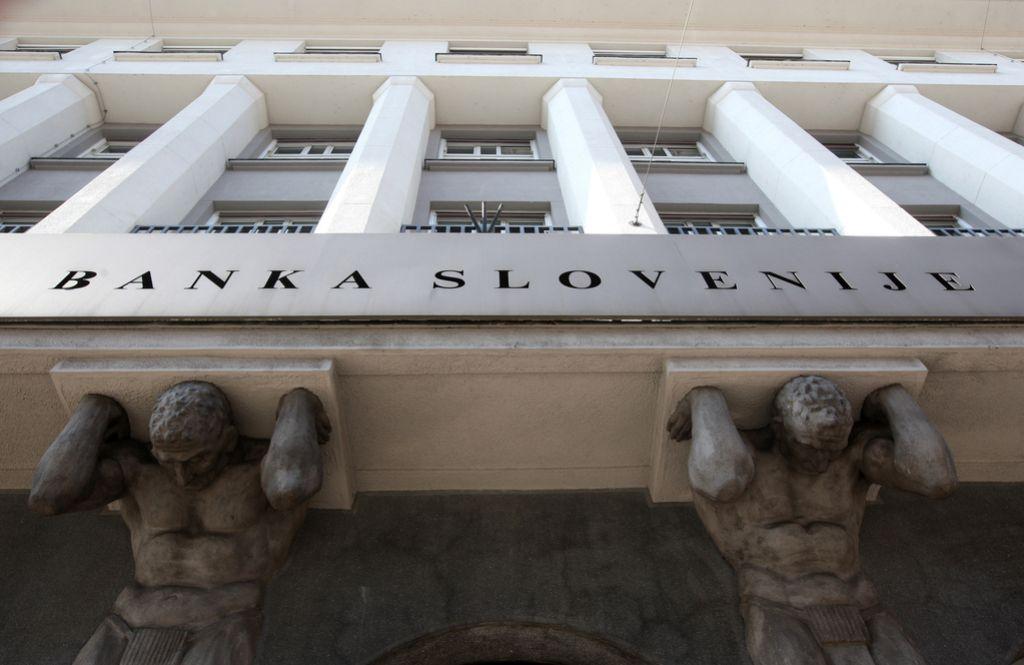 Banke z dobičkom in večjim kreditiranjem gospodinjstev