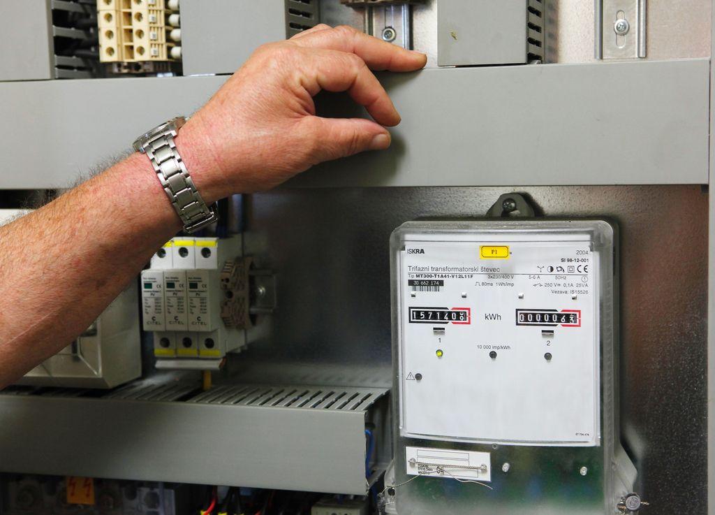 Do 2022 bodo zamenjali vse števce za elektriko