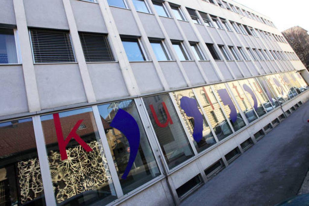Poslanci naklonjeni kulturnemu evru