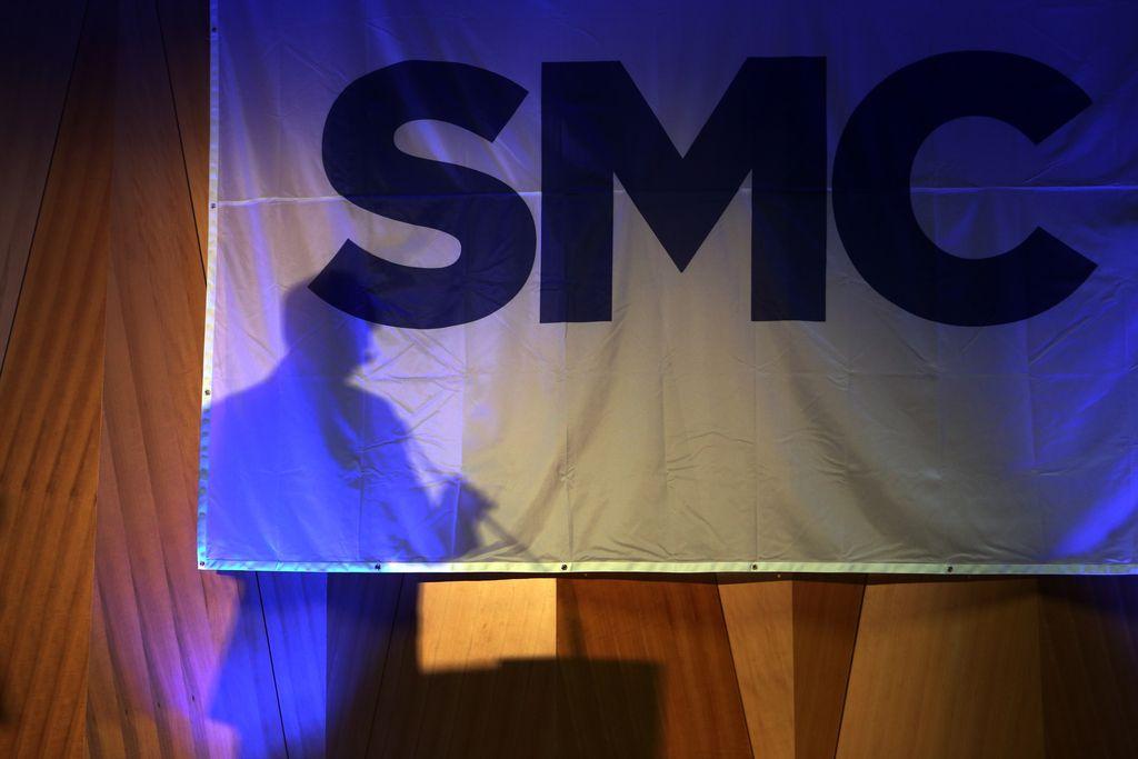 Anketa Dela: SMC ohranja vodilno mesto