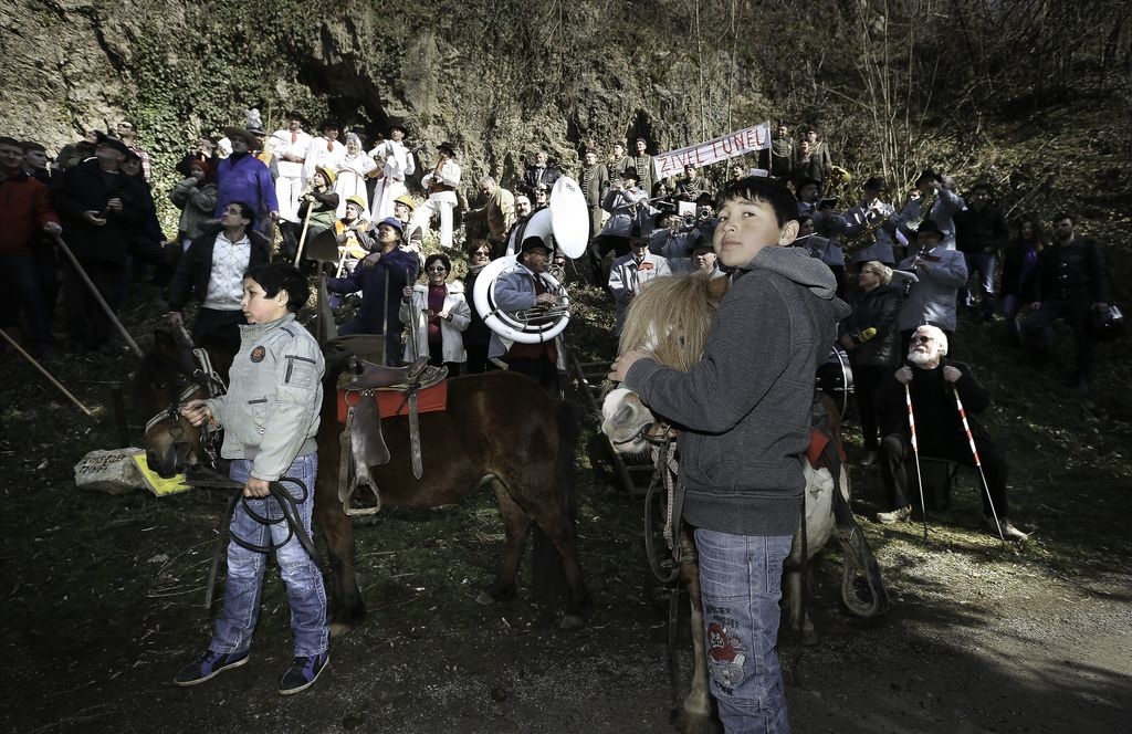 Belokranjci sami začeli kopati predor pod Gorjanci
