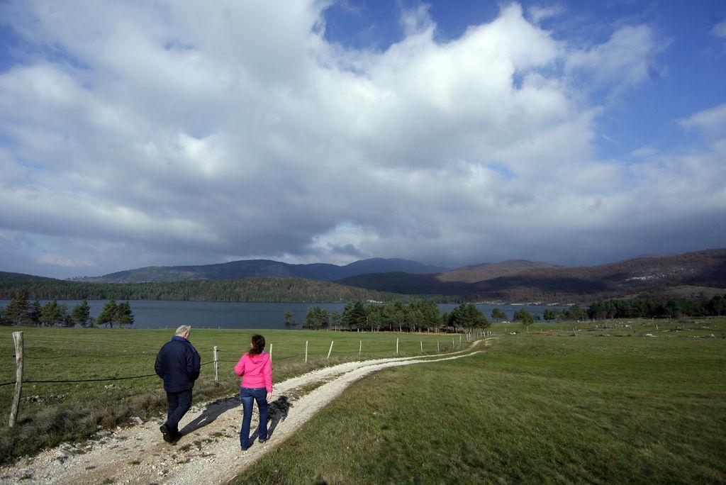 Park presihajočih jezer prehitel plinovod