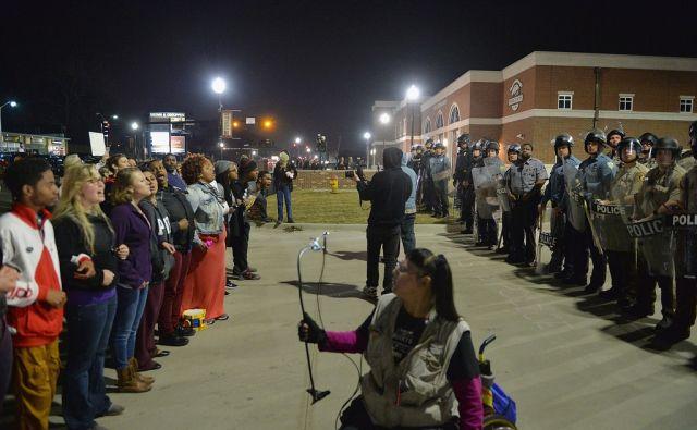 US-PROTESTS-ERRUPT-AFTER-FERGUSON-MAYOR-ANNOUNCES-RESIGNATION-OF
