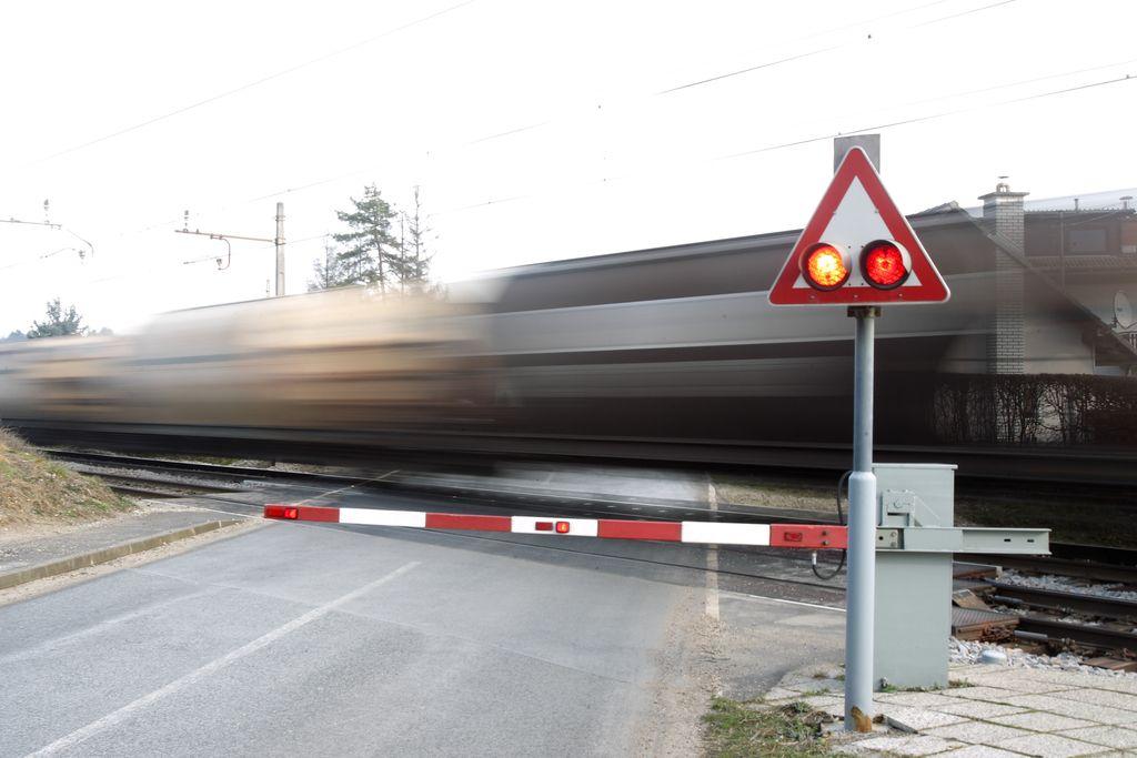 Vlak v Ljubljani do smrti zbil pešca