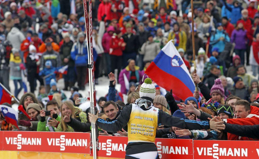 Dvojna slovenska zmaga z grenkim priokusom: Tepeš prvi in Prevc drugi, Freundu globus