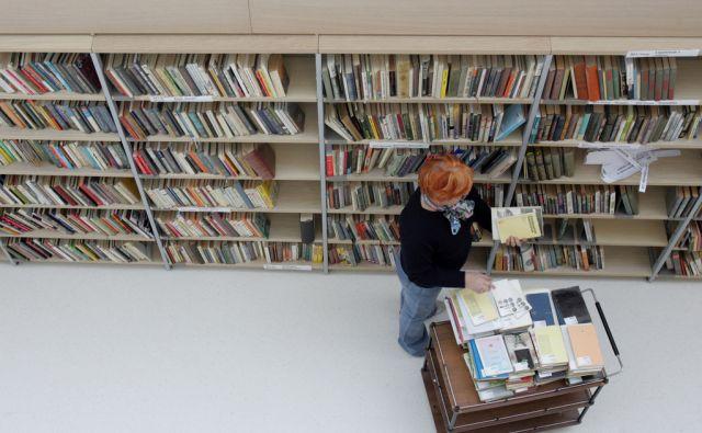 Slovenija, Ljubljana, 15.12.2006 - Zadnje priprave na otvoritev nove knjižnice Otona Župančiča v centru Marcus. foto:Blaž Samec/ DELO