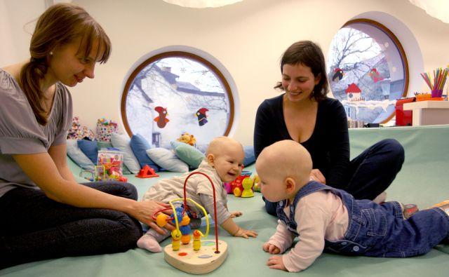 Družinski center,otroci in starši med igro,Ljubljana Slovenija 14.01.2014