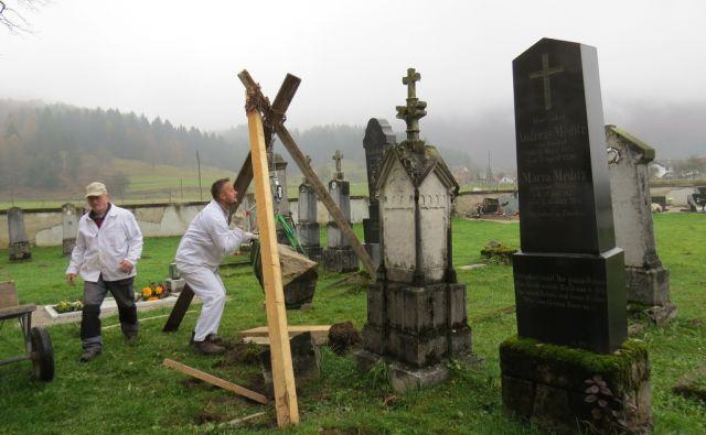 fajfar nagrobniki