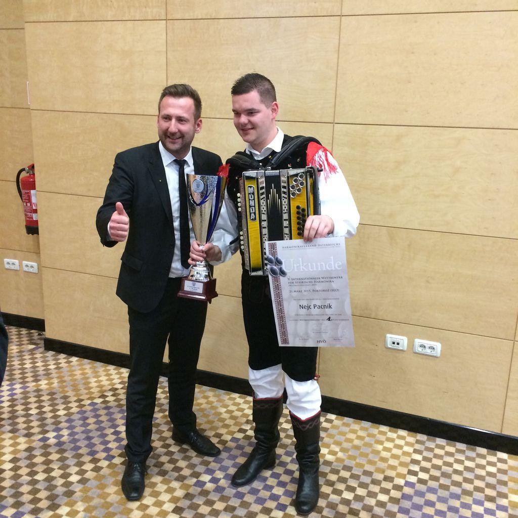 Nejc Pačnik: Zlati harmonikar na vrhuncu kariere