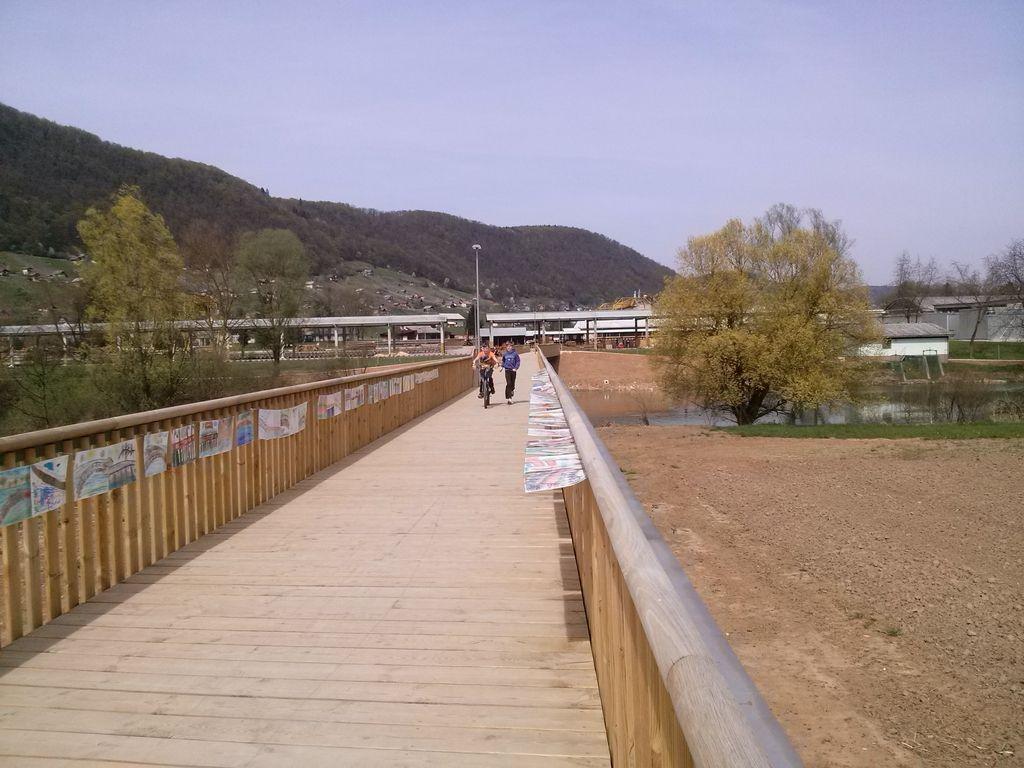 Nov most v Straži za pešce in kolesarje